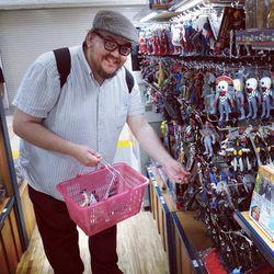 Ultraman-store-shopping